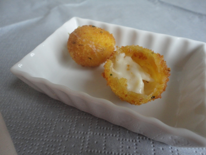 Mozzarellaballetjes.JPG